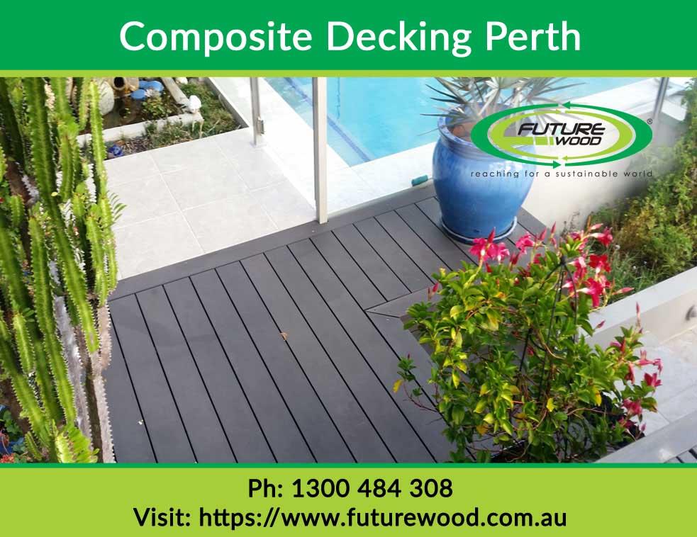 Does composite decking get hot